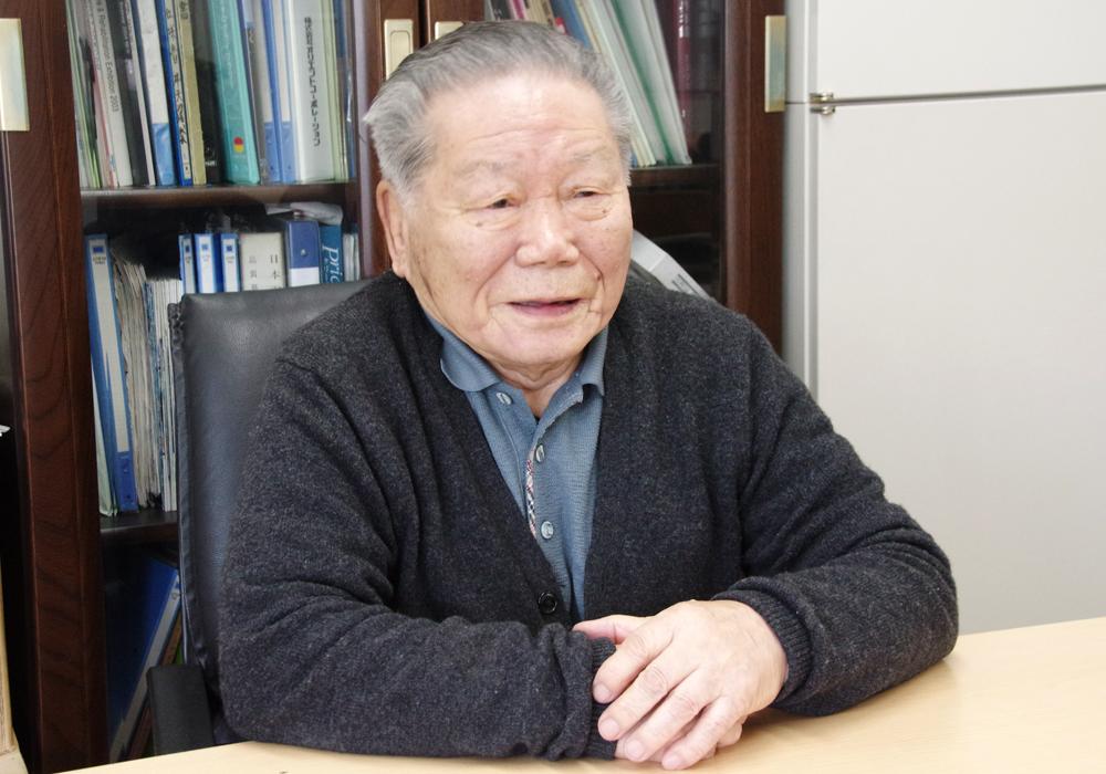 日本羽毛製造株式会社:早野好雄会長