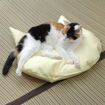 冷感!猫のしあわせ座布団:クールイエロー